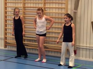Ida, MAtilda och Jasmin dansade och sjöng!